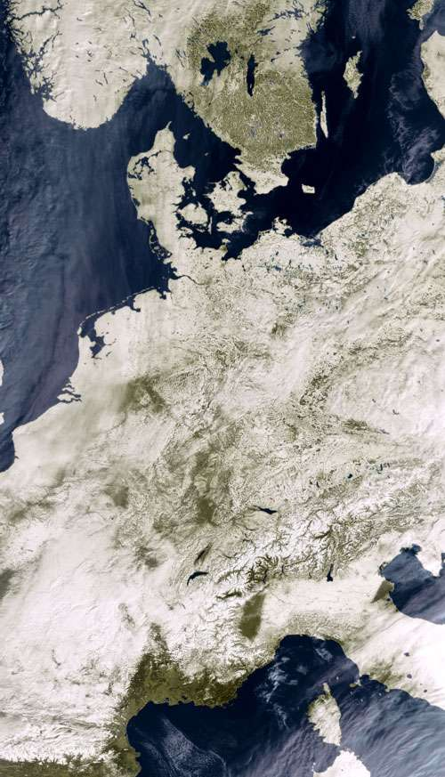 L'Europe sous la neige vue de l'espace