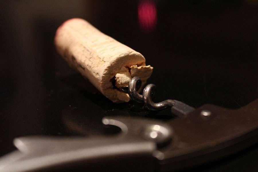 Quel est le poids du bouchon ? © Broesis, Pixabay, DP