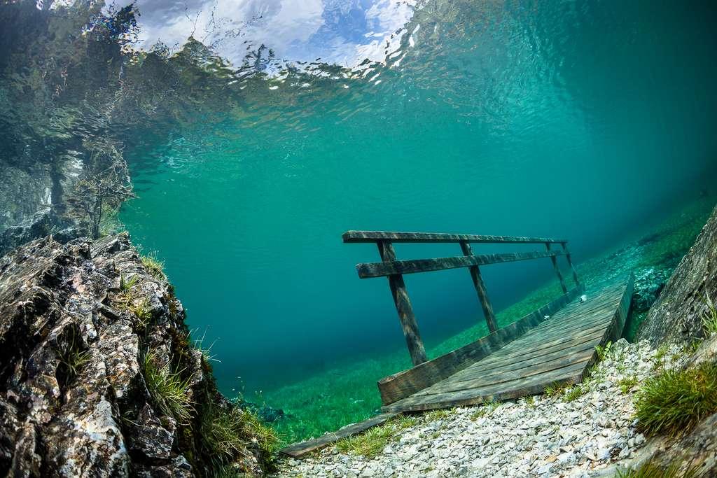 Le pont inondé du Grüner See