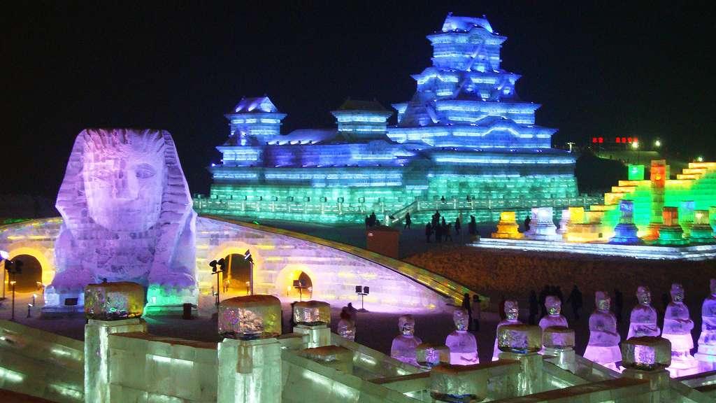 Festival de sculptures sur glace et de neige de Harbin, en Chine