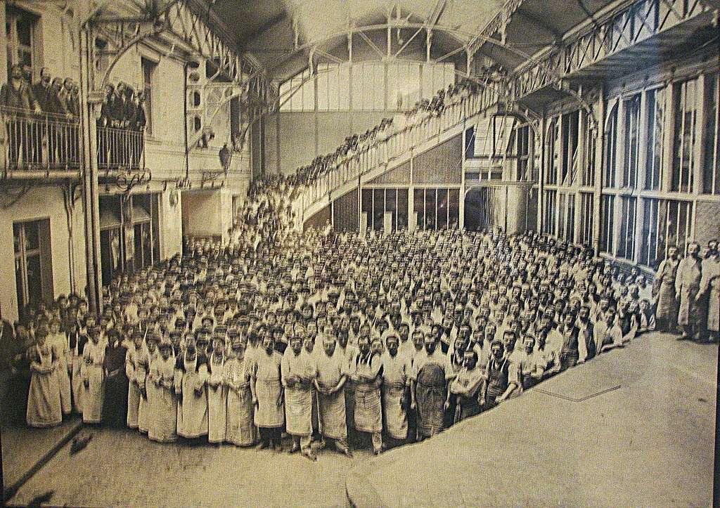 Les employés de l'usine LU en 1907. Musée du château des ducs de Bretagne de Nantes. © Pinpin, Wikimedias Commons, CC by-sa 2.5