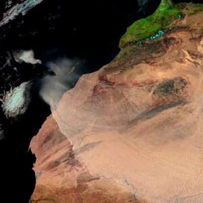 Une tempête de poussières se déplace au-dessus de la ceinture sahélienne occidentale, sur cette image prise le 3 mars 2004 par MSG-1 (rebaptisé depuis Meteosat 8). Ces tempêtes de poussières sont surveillées et cartographiées dans le cadre du projet Epidemio mené par l'ESA. (crédit : EUMETSAT)