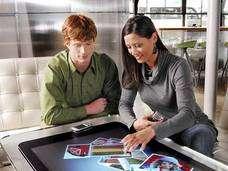 Plusieurs personnes peuvent utiliser Surface en même temps ! Crédit : Microsoft.