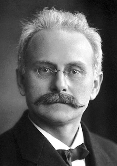 Johannes Stark (1874-1957), prix Nobel de physique en 1919, a montré que les niveaux d'énergie d'un atome peuvent être modifiés par un champ électrique. Il était opposé aux théories de la relativité d'Einstein. © A. B. Lagrelius & Westphal, DP