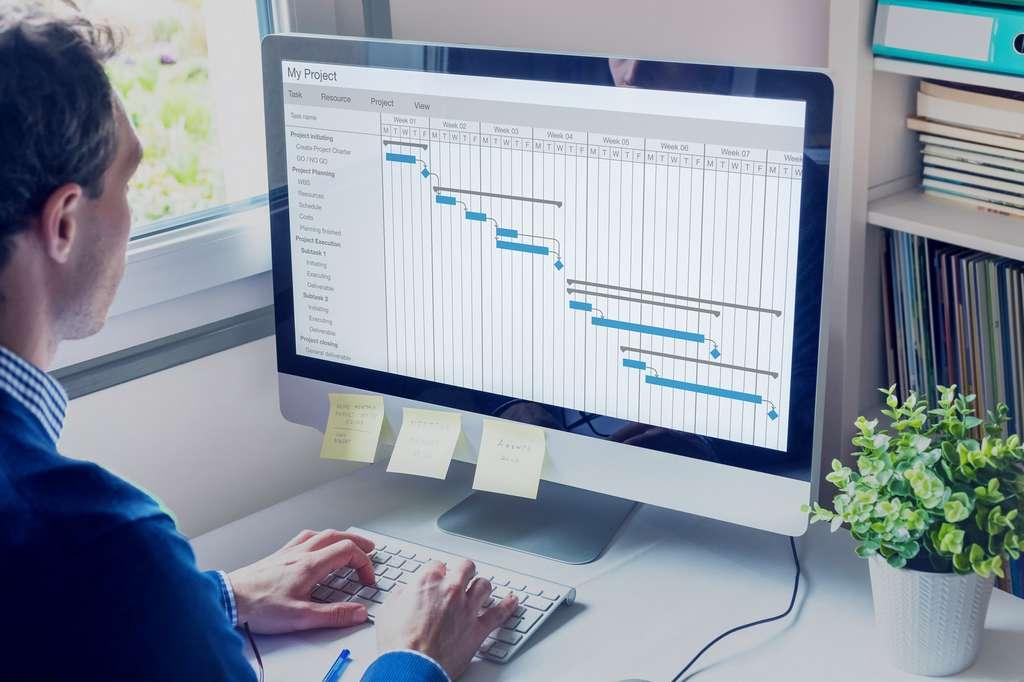 Le chef de projet gère les priorités en découpant le projet en différentes actions à mener à bien, les unes après les autres, pour que le projet global avance de manière cohérente. © NicoElNino, Adobe Stock