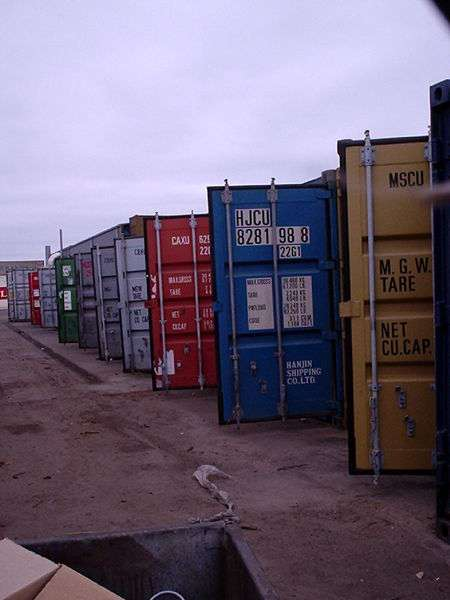Les conteneurs des ports africains contiennent pour la grande majorité d'entre eux des médicaments illicites, conçus par des laboratoires peu scrupuleux. © Erik Larsen, Wikipédia, DP