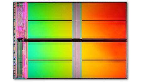 Gros plan sur la puce de 32 Gbits, gravée en 34 nanomètres © IMTF