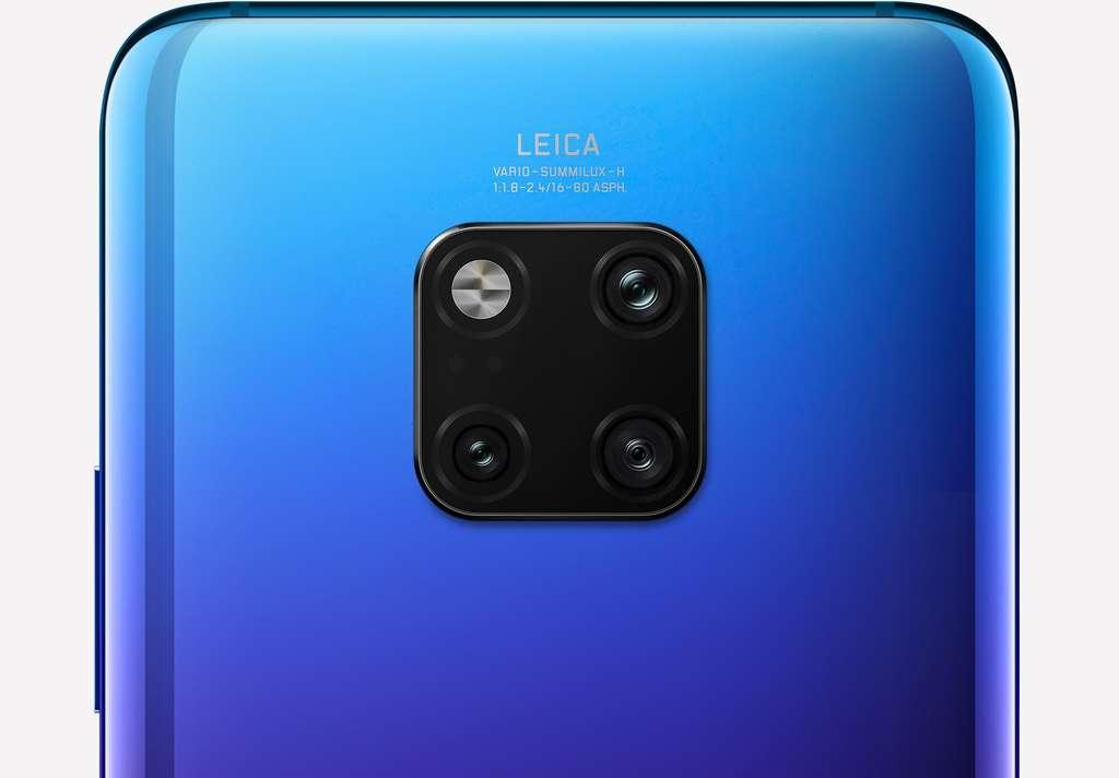 Doté de trois capteurs, le module photo du Mate 20 Pro souligne son partenariat avec Leica pour l'optique. © Huawei