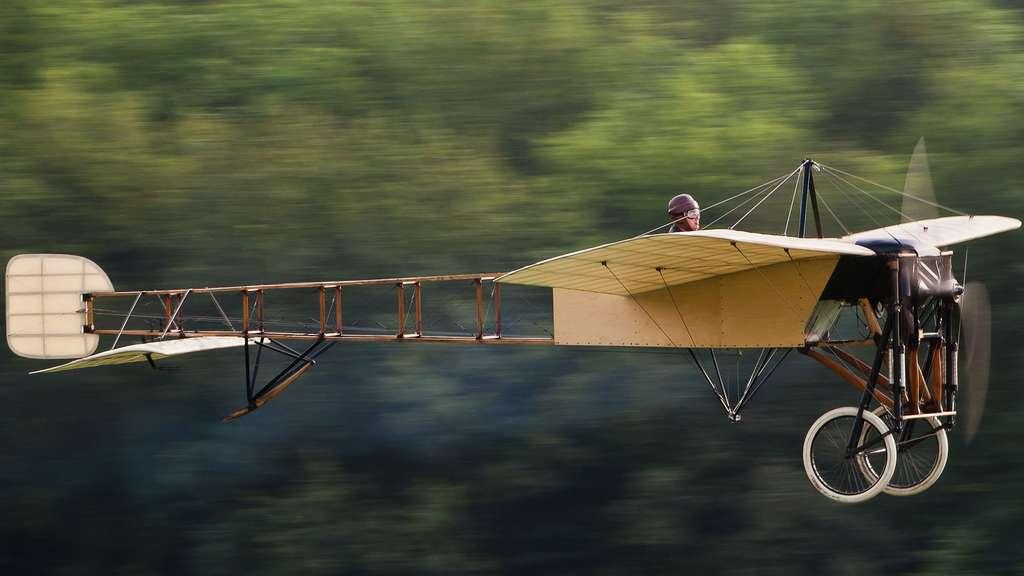 Le Blériot XI et la première traversée de la Manche en avion