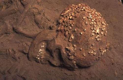Sépulture de l'Homme de Menton, dans la grotte du Cavillon, en Italie