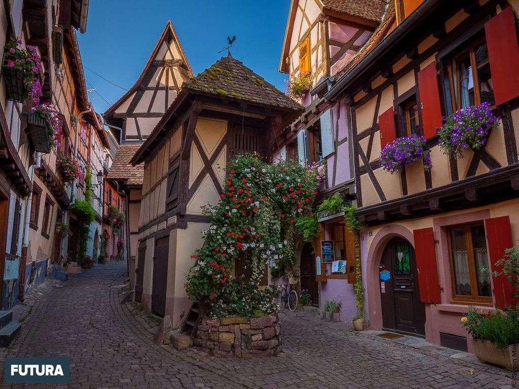 Les plus beaux villages de France : Eguisheim (Alsace) village fortifiée depuis 1257