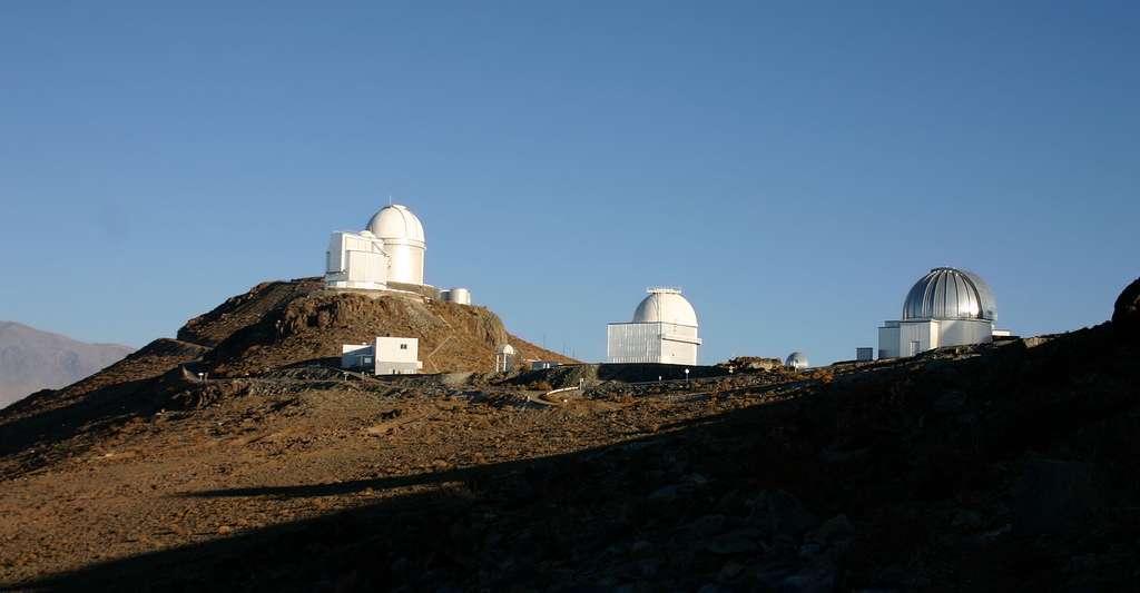 Comment étudier les vibrations sonores des étoiles ? Ici, l'observatoire de La Silla, au Chili. © Cedric Foellmi, Wikimedia Commons, CC by 2.5