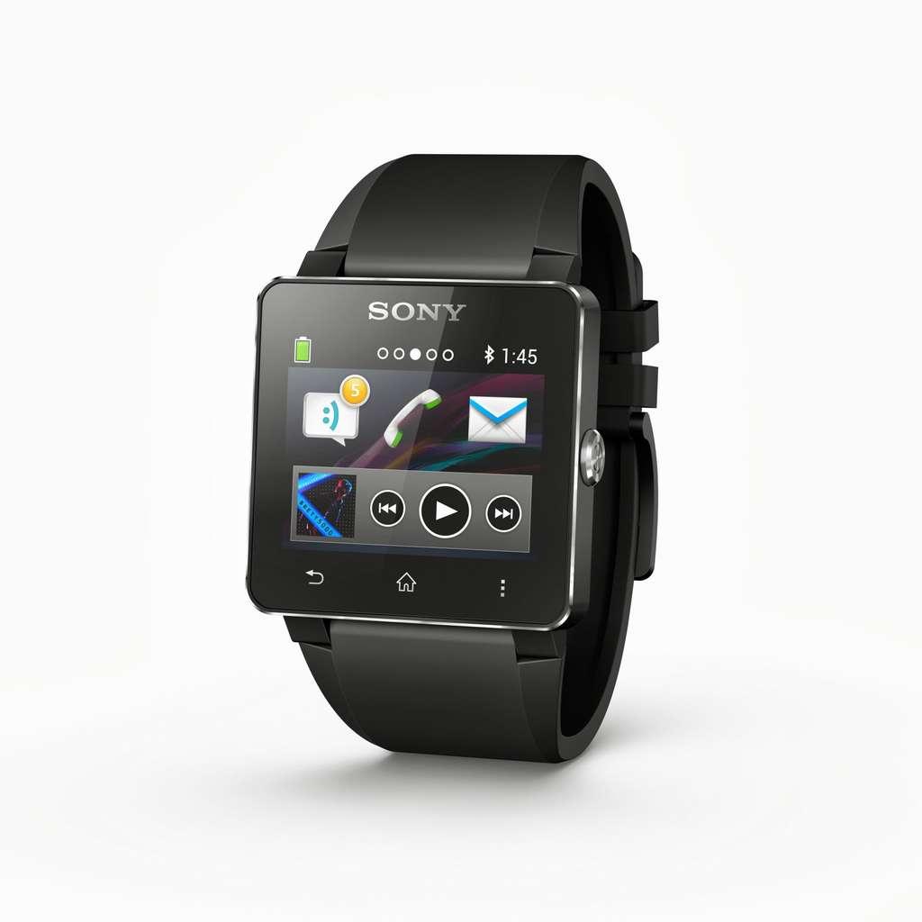 La Smartwatch 2 de Sony est étanche à l'eau et peut se connecter à des terminaux Android. Comme les deux autres modèles présentés au salon IFA, elle sert d'interface au smartphone, avec un afficheur tactile et un microphone. © Sony, CC by-nc 2.0