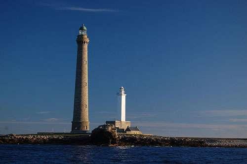 Le phare de l'île Vierge est le plus haut d'Europe. Il s'élève à 82,50 mètres. © Falken, licence Creative Commons Paternité, partage des conditions initiales à l'identique 3.0 Unported, 2.5 Générique, 2.0 Générique et 1.0 Générique