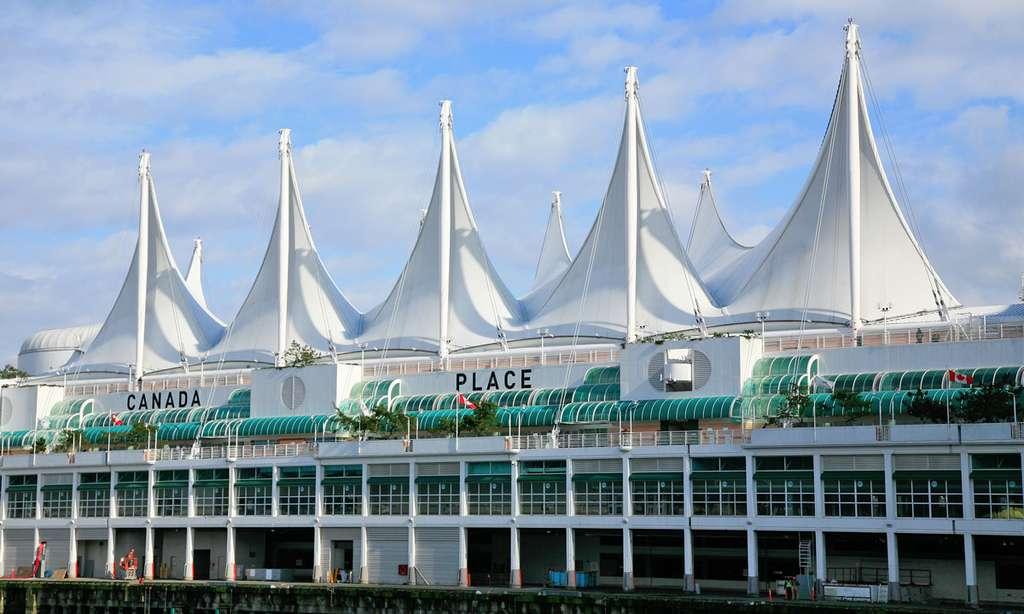 Les voiles de Canada Place rappellent l'époque où Vancouver était l'escale des grands voiliers qui arrivaient du cap Horn. © Antoine - Tous droits réservés