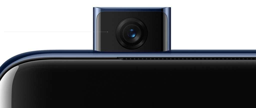 Le capteur à selfies se rétracte automatiquement si le téléphone tombe alors qu'il est ouvert. © OnePlus