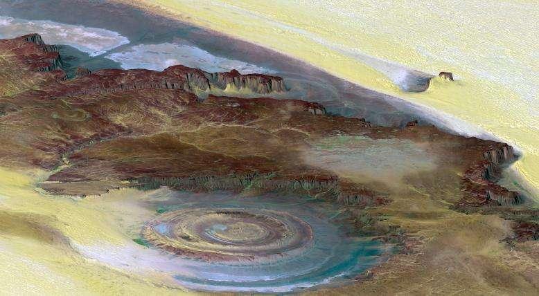 La structure de Richat, l'œil de l'Afrique dans le désert de Mauritanie