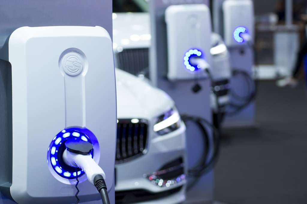 The battery of Samsung would offer 800 kilometers of autonomy to electric cars and up to 1,000 charge cycles.  © seksan94, Adobe Stock