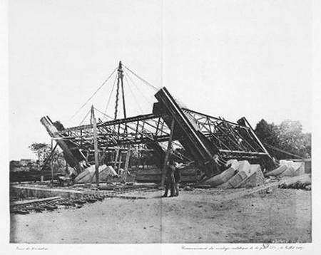 Commencement du montage métallique de la pile n° 4 (18 juillet 1887) Atlas Photo, PL.3 © BNF