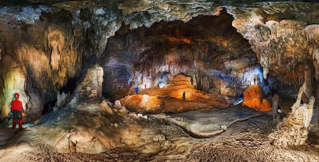 Dans la grotte São Bernardo, les joyaux du parc national de Terra Ronca