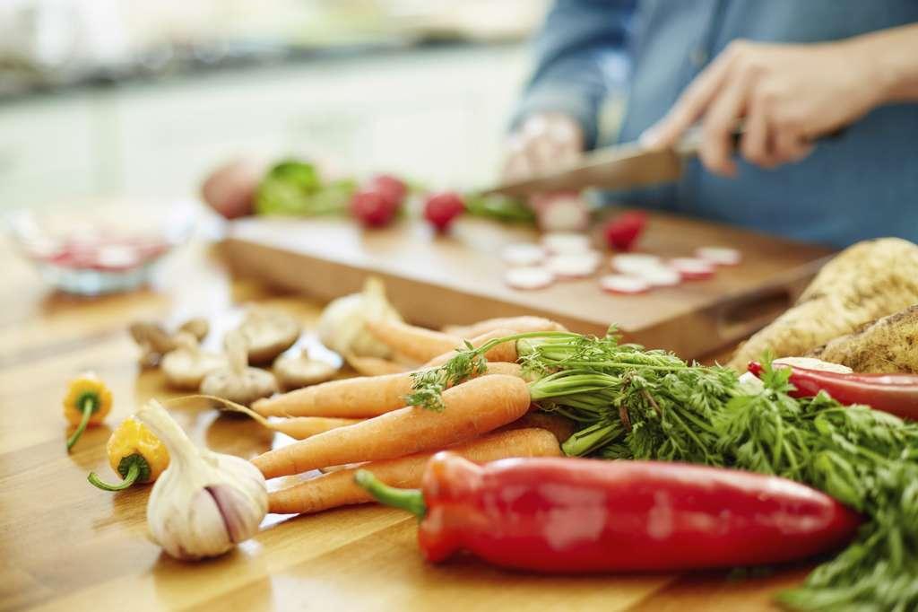 Selon le contexte, les aliments qui composeront le repas seront différents. © NeustockImages, IStock.com