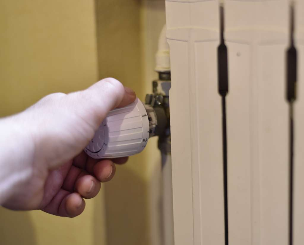 Le thermostat d'ambiance facilite la gestion de la consommation. © Philetdom, Adobe Stock