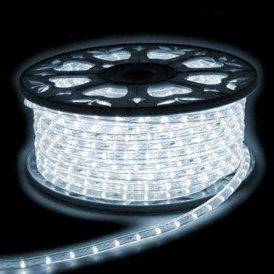 Accessoires à la mode pour réaliser un éclairage du plus bel effet : la guirlande LED sécable. © Silamp