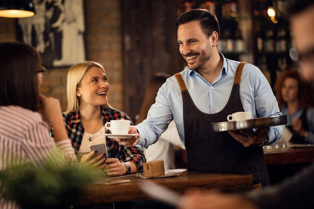 Leur bar, leur café ou leur restaurant est resté fermé pendant des mois. Aujourd'hui, ils vont devoir retrouver la motivation et se confronter de nouveau au stress. Même si l'envie est là, une certaine appréhension existe pour certains. © Drazen, Adobe Stock