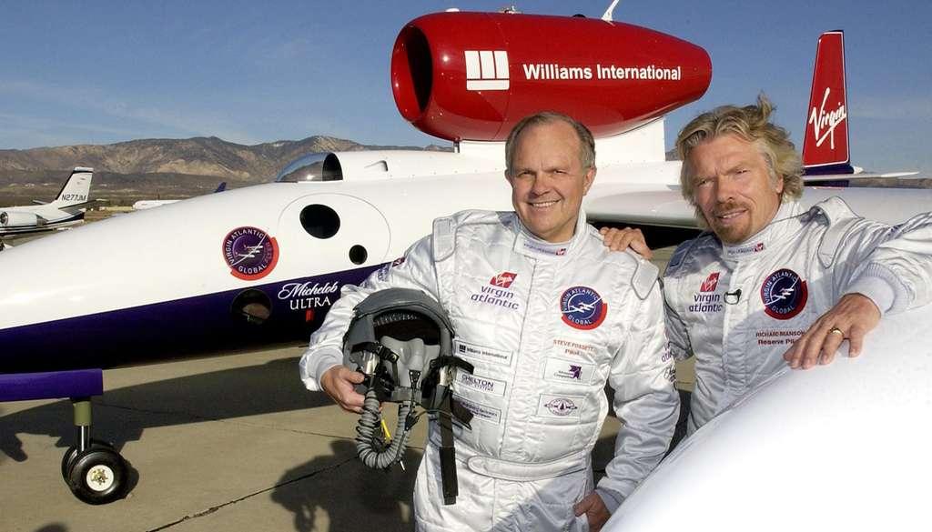 Steve Fossett et Richard Branson devant le GlobalFlyer
