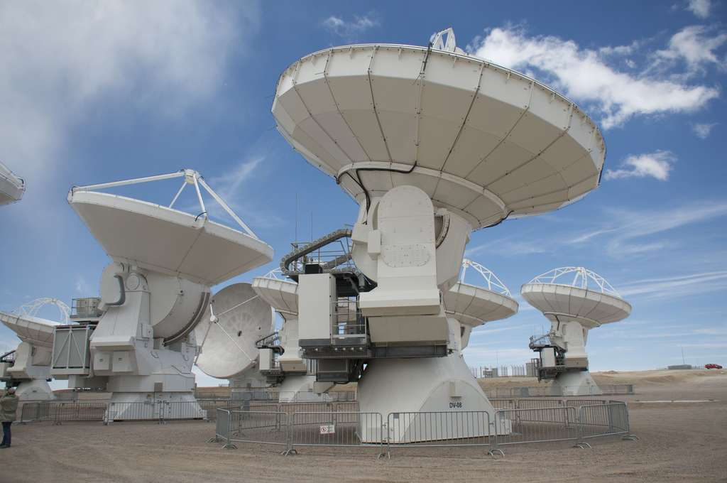 Gros plan sur les antennes d'Alma, au Chili