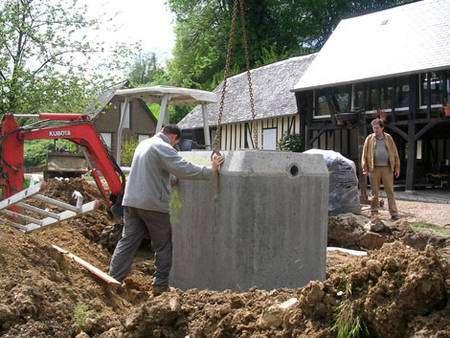 Pour une famille de quatre personnes, le volume de stockage conseillé est de 5.000 litres. © La Nive