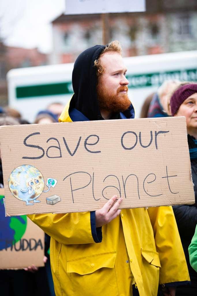 L'Anses demande aux politiques publiques de légiférer sur le cas du carbone suie et inorganique ainsi que sur les particules fines. © Markus Spiske, Pexels