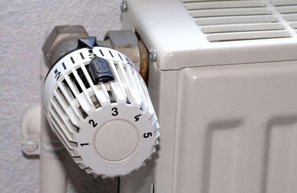 Pour limiter la consommation d'énergie lors de grands froids, pensez à bien réguler votre chauffage. © pratique.fr