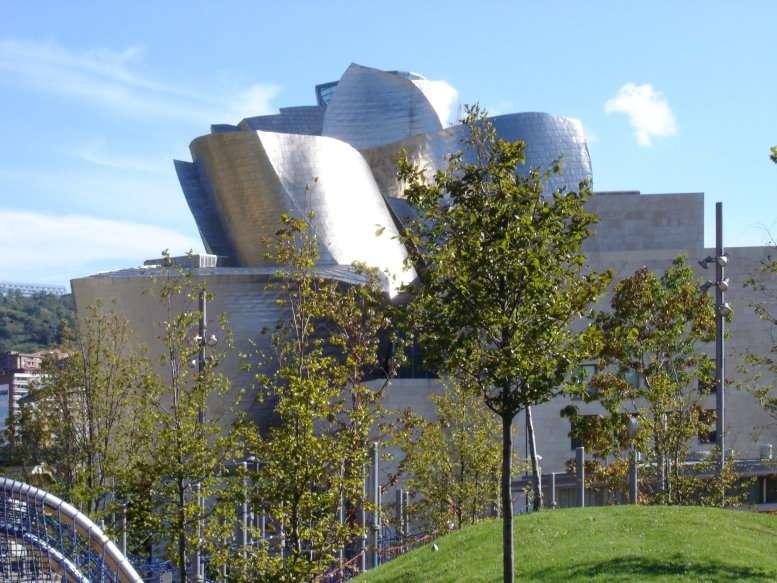 Vue générale du musée Guggenheim de Bilbao