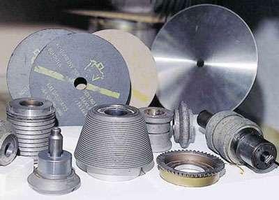 Produits Adamax France en diamant pour la mécanique. © DR
