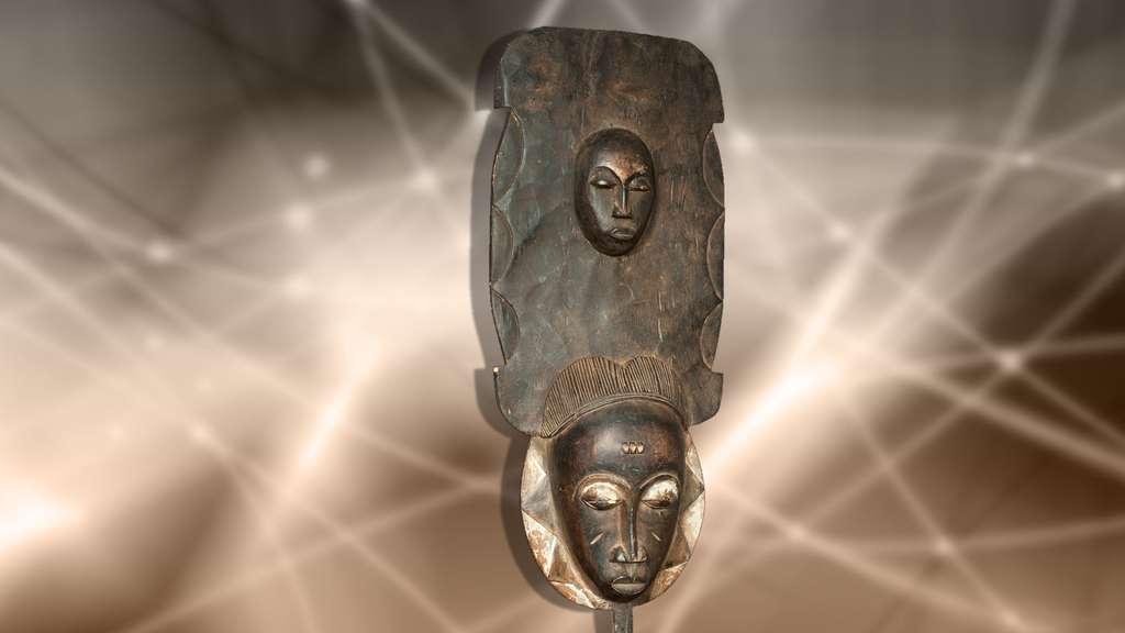 Masque baoulé à deux visages de Côte d'Ivoire