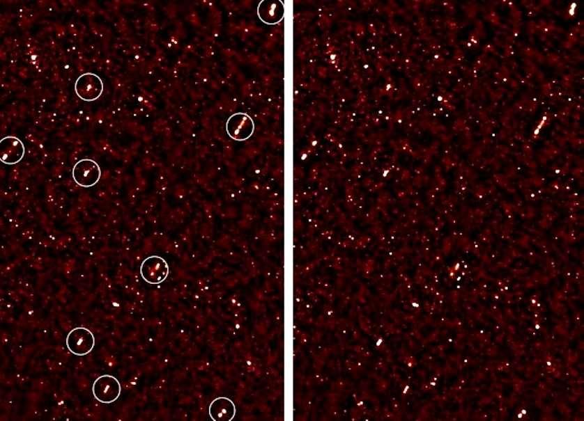 L'alignement des jets des trous noirs supermassifs observés est bien visible sur ces images (ils sont repérés à gauche par des cercles blancs). © Russ Taylor