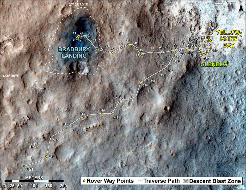 Le parcours de Curiosity au 1er août 2013, depuis son arrivée le 6 août 2012 (en haut). Le rover totalise seulement 1.686 mètres parcourus. © Nasa, JPL