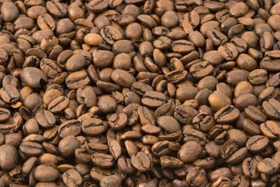 Le café est extrait des graines du caféier, un arbuste qui pousse dans les régions tropicales. © public-domain-image.com