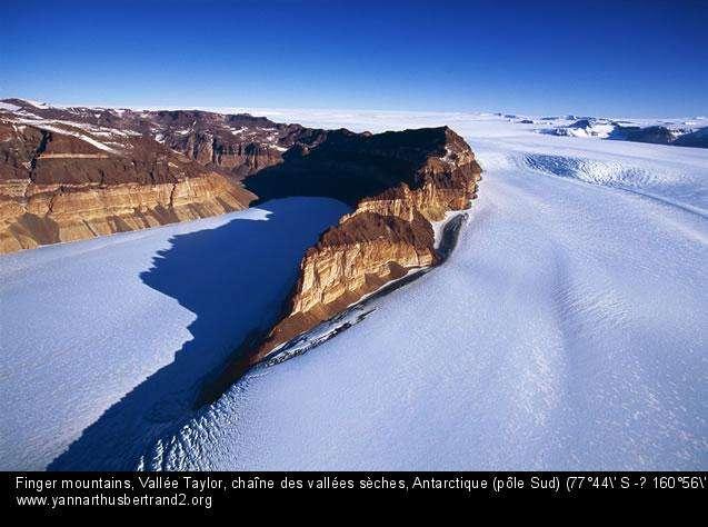 Finger mountains, Vallée Taylor, chaîne des vallées sèches, Antarctique (pô