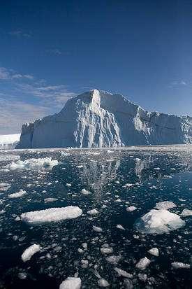 Le développement de glace accompagne le début d'une ère glaciaire. Actuellement, les glaces ont tendance à fondre suite au réchauffement climatique. Les phénomènes naturels causant les glaciations pourraient ne pas prendre le dessus. L'Homme risque donc de retarder la prochaine glaciation. © Ludovic Hirlimann, Flickr, cc by nc 2.0