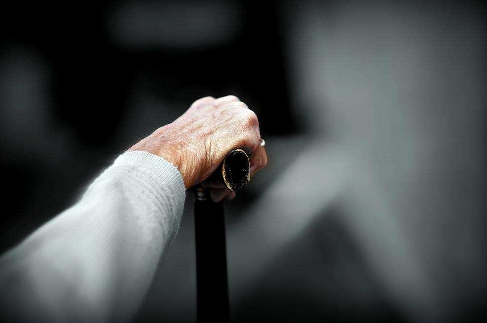 Les personnes âgées ont déjà davantage de risques de chuter et de se blesser gravement. Avec les somnifères, c'est encore pire. © Jean-Marie Huet, Flickr, cc by nc sa 2.0