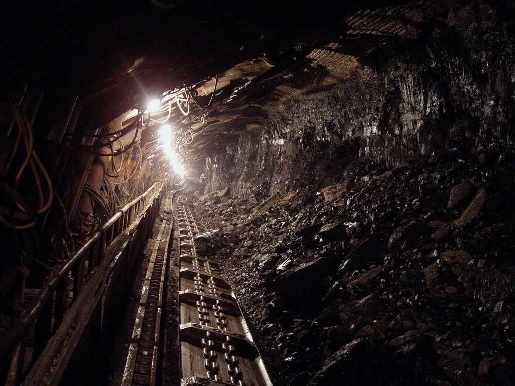 Exploitation dans une mine de charbon. © Hangela, Pixabay, DP