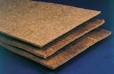 Plaques minces de laine de coco (8 ou 11 mm) utilisables en sous-couche résiliente pour parquet flottant. © Van Avermaet