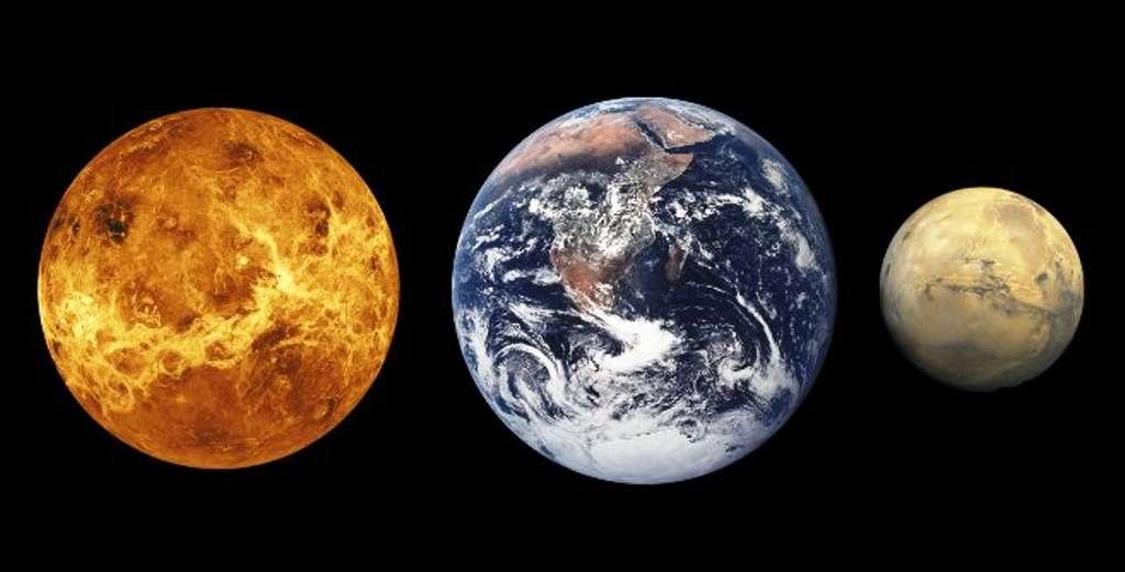 De droite à gauche, les tailles comparées de Vénus, la Terre et Mars. © Nasa