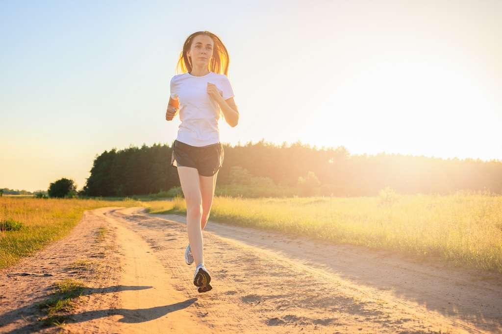 Courir à jeun avant le petit-déjeuner, est-ce vraiment une bonne idée ? © Андрей Репетий, Fotolia