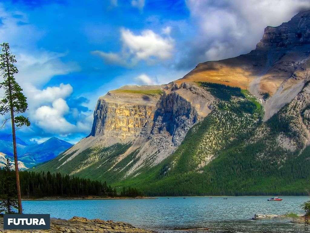 Canada : le parc légendaire de Banff au coeur des Rocheuses à 1380 mètres d'altitude.