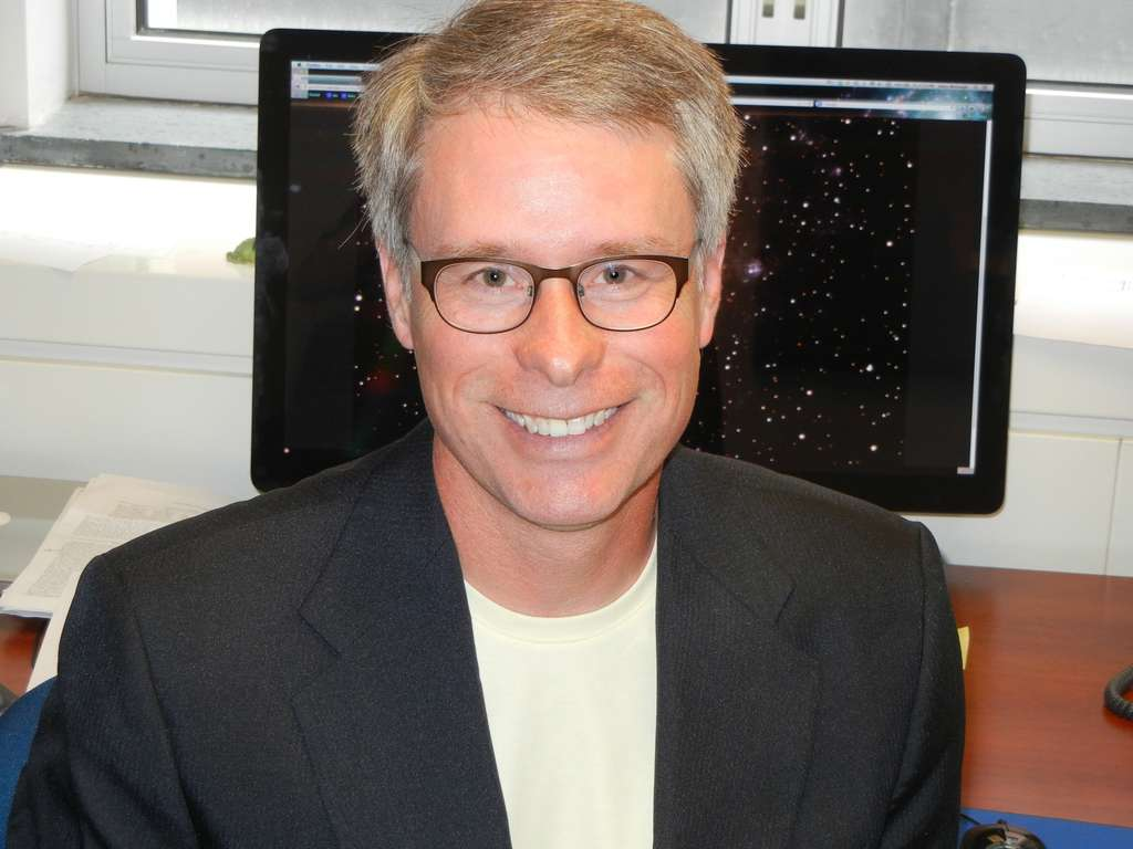 L'astronome états-unien Stacy McGaugh a travaillé sur les galaxies à faible brillance de surface, la formation et l'évolution des galaxies. Il est aussi connu pour ses travaux sur la matière noire, la théorie Mond et le rayonnement fossile. © Case Western Reserve University