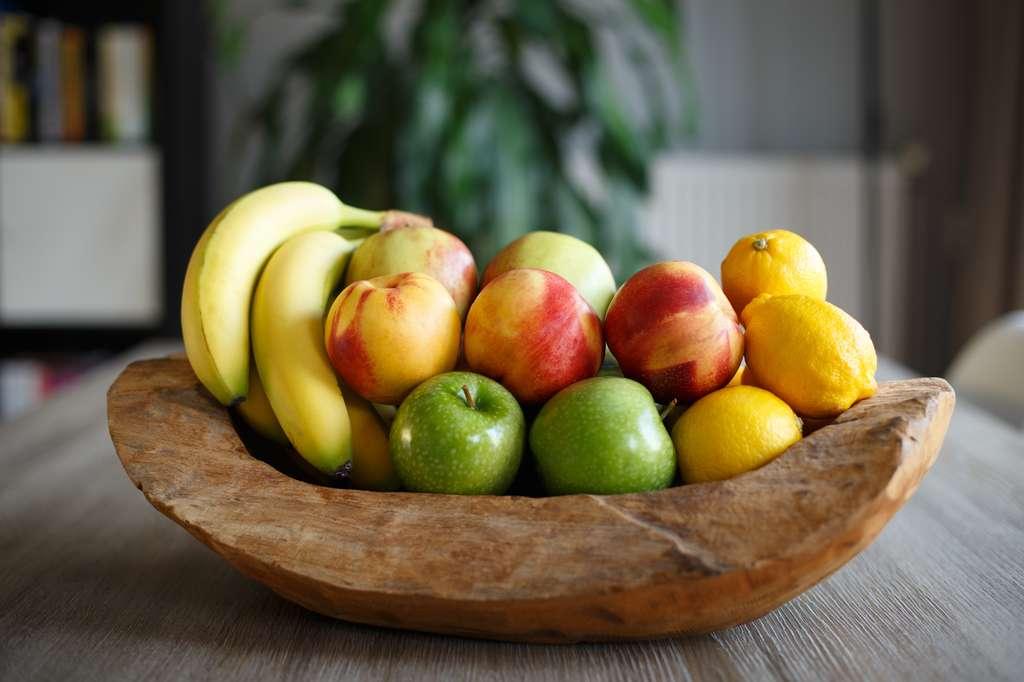 Conserver des fruits n'est pas si simple : entre accélération et ralentissement de la maturation, le mieux reste de les consommer de saison, mûrs à point, et pourquoi pas du jardin? Acheter en petite quantité pour éviter de jeter. © robsphoto, fotolia