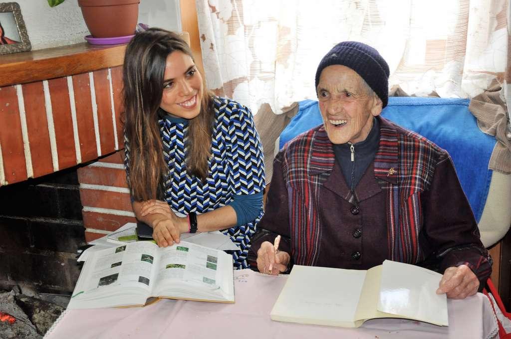 Lors de la mission de 2019 en Sardaigne, Aïna Quieroz a mené des enquêtes ethnobotaniques dans les communes de Seulo et de Villagrande. © Seqens Cosmetics